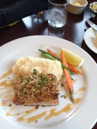 The Grill at Knob Hill: The Halibut