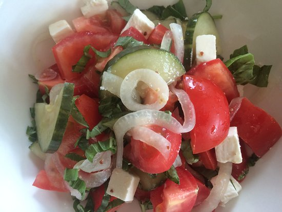 The Old Court House : Greek salad without olives