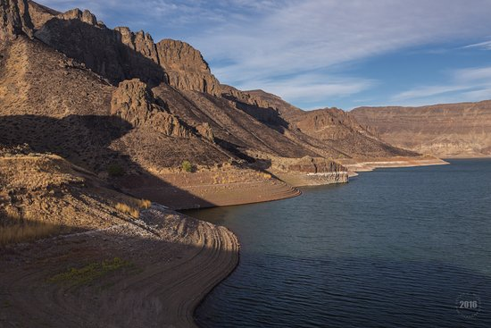 Nyssa, Oregón: Low water stage Lake Owyhee Fall