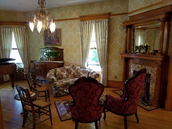 Lodi, WI: Interior sitting area