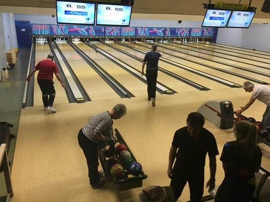 the lanes and new scoring units picture of go bowling shipley