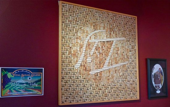 Salem, Орегон: Cork creativity