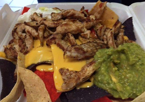 Bay Shore, État de New York : Nachos with chicken. Lots of chicken.