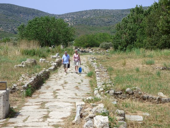 Temple of Hera: processional way