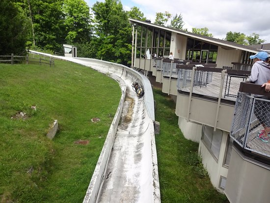 Bobsled and Luge Complex: treino de bobsled