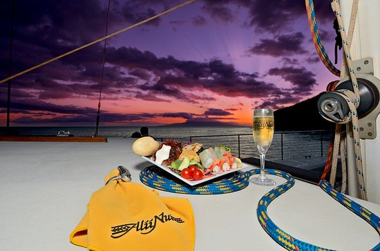 Maalaea, HI: Royal Feast Dinner Sail