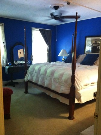 Waybury Inn: The Middlebury Suite