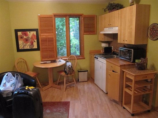 L'Islet, Канада: lo spazio living e angolo cottura