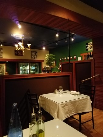 Willits, CA: The main dining room in two-levels