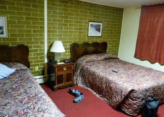 Lancaster Motor Inn Picture