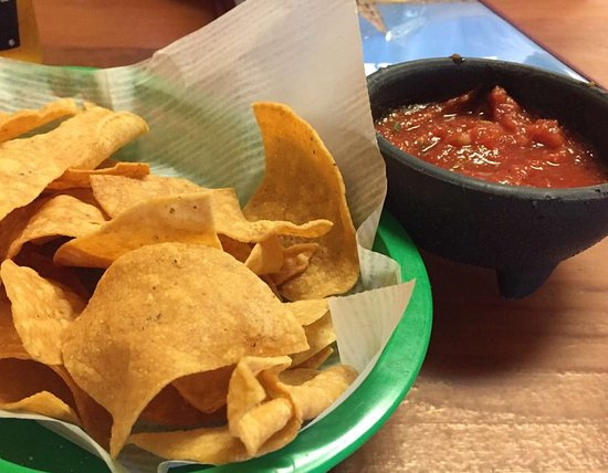 chips and salsa oh that salsa was spectacular picture of asi es