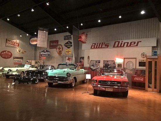 Bowling Green, OH : Nice job of presenting various automotive themes decorated with vintage signs