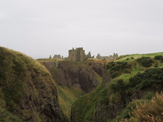 Stonehaven, UK: View of the castle from the valley.