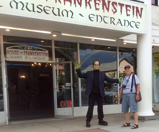 House of Frankenstein Wax Museum : After pic the Monster slapped my Trump out of my hand as I tried to put it on his head!