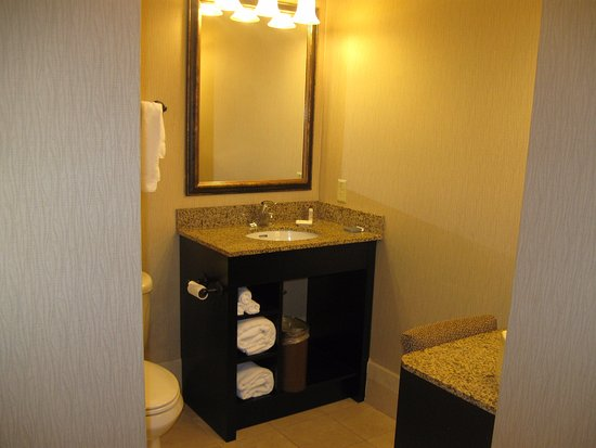 Hawthorn Suites by Wyndham West Palm Beach: un bonito baño
