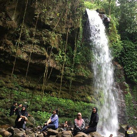 Tambunan, มาเลเซีย: Mahua Waterfall