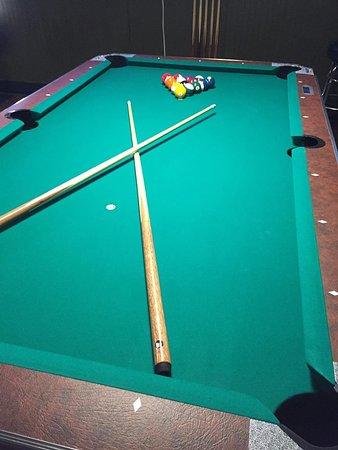 Yucaipa, CA: 2 pool tables