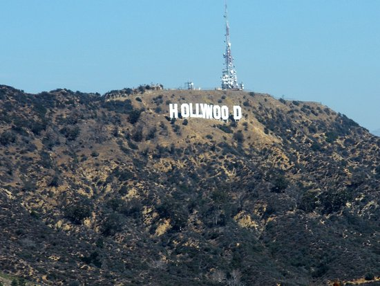 Beverly Hills, CA: Mulholland lookout