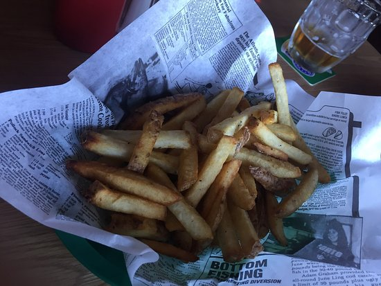 Union Bay, Canada : A drink stop on a lovely #autumn day. Rolling Rock Extra Pale beer.  Bottomless fries, and aweso