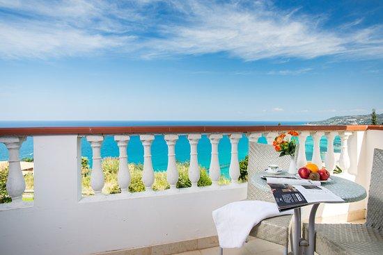 Hotel Santa Lucia Photo