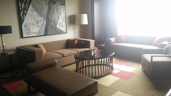JW Marriott Hotel Bengaluru: The LivingRoom