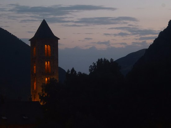 Erill La Vall, España: Колокольня ночью