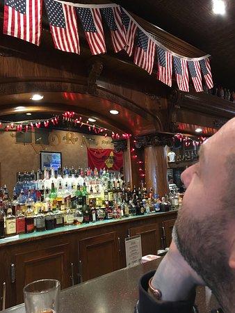 Horn's Gaslight Bar & Restaurant: photo1.jpg