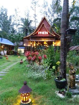 Phen's Restaurant: Outdoor of Phen