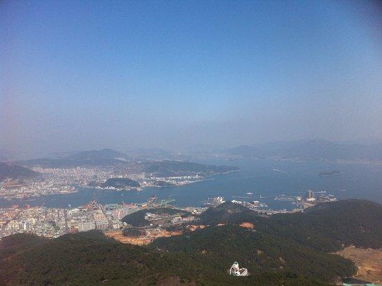 Tongyeong, Zuid-Korea: 저멀리 보이는 바다
