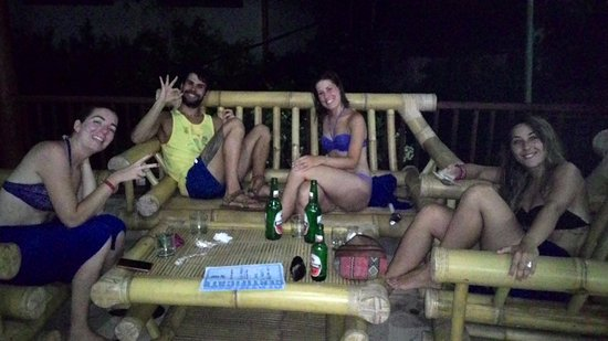 Happy divers after their PADI Discover Scuba Diving: diplomas, photos and beers!