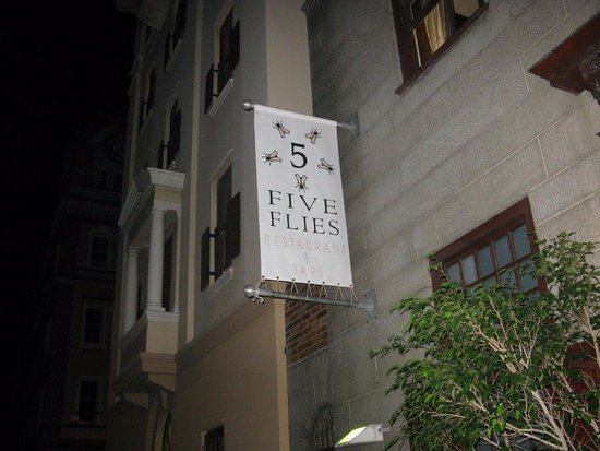 The Five Flies Restaurant & Bars: L'insegna della 5 mosche