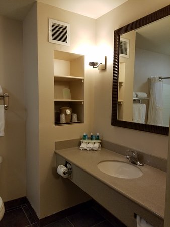 Bathroom Picture Of Holiday Inn Express Hotel Suites Kingman Kingman Tripadvisor