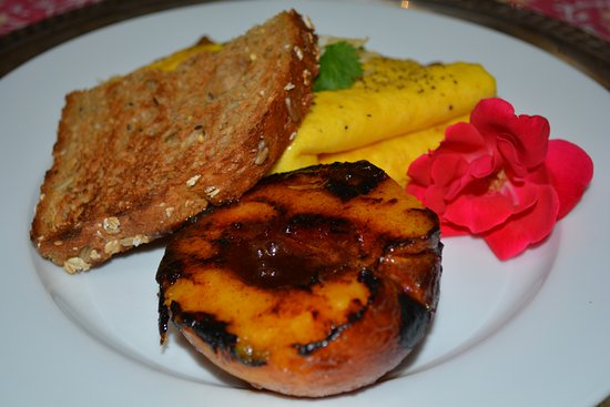 Granville, OH: Breakfast at The Inn - Made to Order Omlet, Grilled Local-Grown Peach, Multigrain Panini