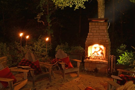 Granville, OH: Beautiful, relaxing outdoor fires to make for the perfect end to a spring or fall day.
