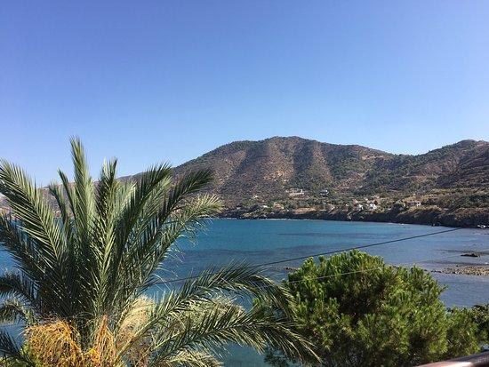 Pomos, Kıbrıs: Nice food with beautiful setting.