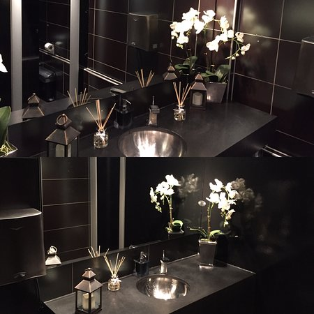 Buckhurst Hill, UK: Beautiful bathrooms at Catch. You can tell a great restaurant by its restriom