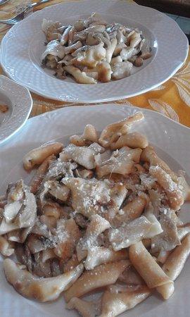 Bonorva, Italia: PIATTONI DI ZICHI E ANTUNNA