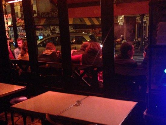 Cafe Le Buci: Vue de l'intérieur