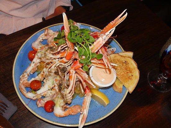 Osinn Restaurant at Hotel Hofn: Cigalas con salsa (lo llaman lobster, es decir langosta, pero son cigalas)