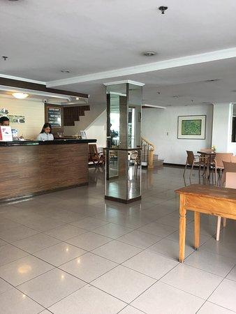 Nichols Airport Hotel: photo1.jpg