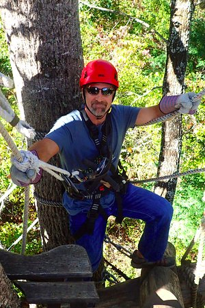 Barnardsville, North Carolina: Climbing up a double platform!