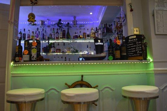 Watersedge Guest House: Licensed Bar