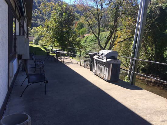 Whitesburg, KY : Patio area