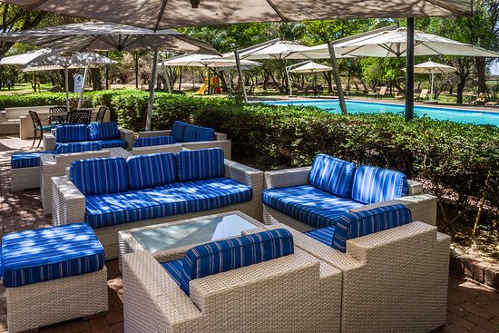 Peermont Walmont at The Grand Palm: Fig Tree Pool Bar