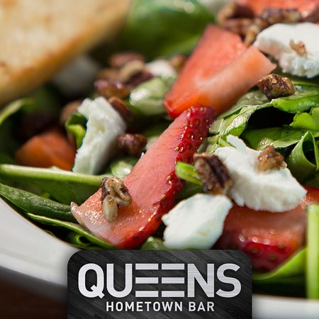Barrie, Canada: Strawberry Spinach Salad