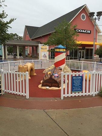 Jersey Shore Premium Outlets: photo1.jpg
