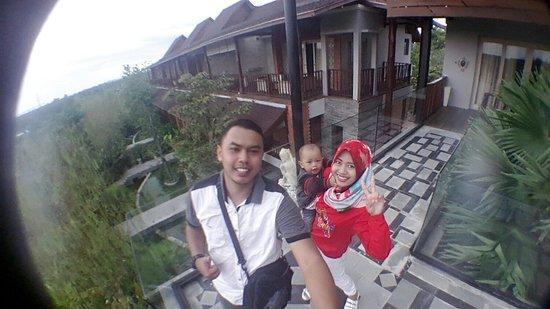 Cepu, อินโดนีเซีย: C360_2016-10-12-16-33-38-739_large.jpg