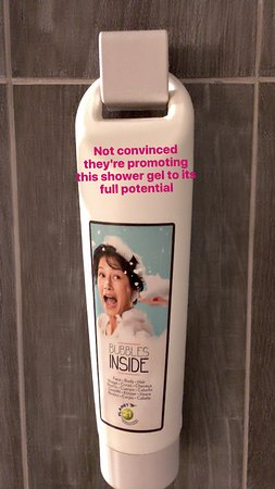 Ibis Paris Avenue de la Republique: Scary looking photo on the shower gel :)