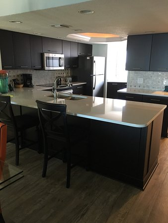 Edgewater Beach Condominium: These photos are based on unit 1107