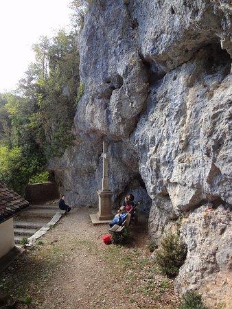 Saint-Ursanne, Suiza: Vue depuis la Grotte de l'ermitage